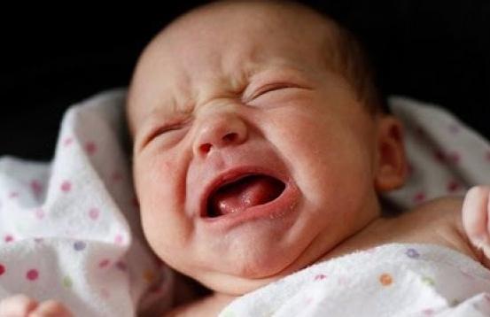 trẻ quấy khóc vê đêm